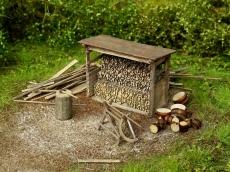 91516 Holzschuppen mit Werkzeug Bausatz TT